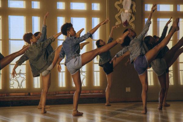 Hiplet Ballerinas dancing